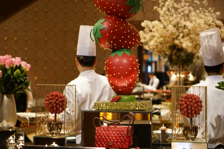 Strawberry Buffet in Seoul!
