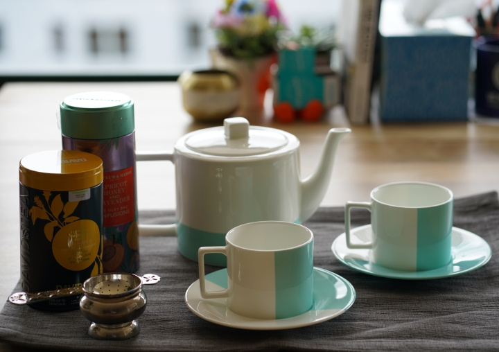 Some teas that I'm currently loving + Tiffany & Co Colorblock Tea Set